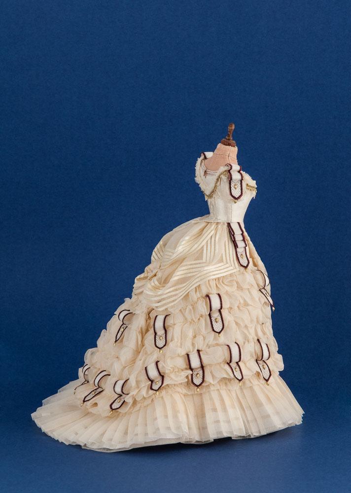 Réplica de un vestido de noche de 1860 que está en el Metropolitan de Nueva York. Obra de Mª J. Santos para el Art Institute of Chicago para una de las habitaciones Thorne donde se encuentra expuesto.©