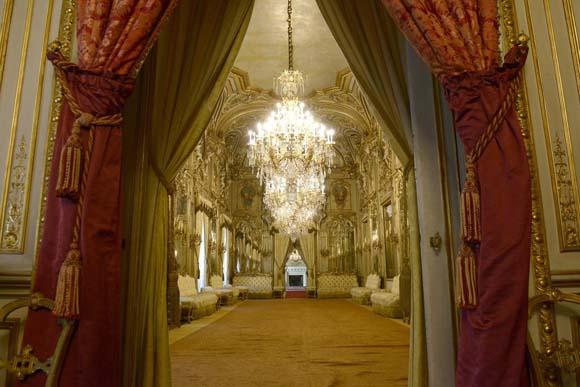 Palacio Fernán Núñez en Madrid. Escenario de un bailes de disfraces en 1884 ambientado en la Comedia dell' Arte. Asistieron Alfonso XII y Mª Cristina