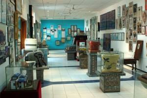 Una de las salas del Museo Sulabh International Museum of Toilets. Con licencia.